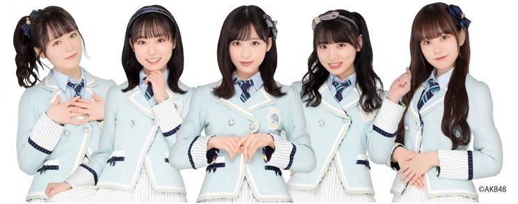 IxR(左から:西川怜・山内瑞葵・小栗有以・久保怜音・大盛真歩)