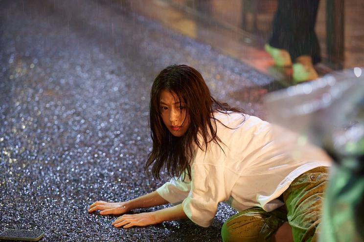 電⼦マンガ『ピッコマ』新TV-CM「アメハナカラス」篇 第1話/第2話より