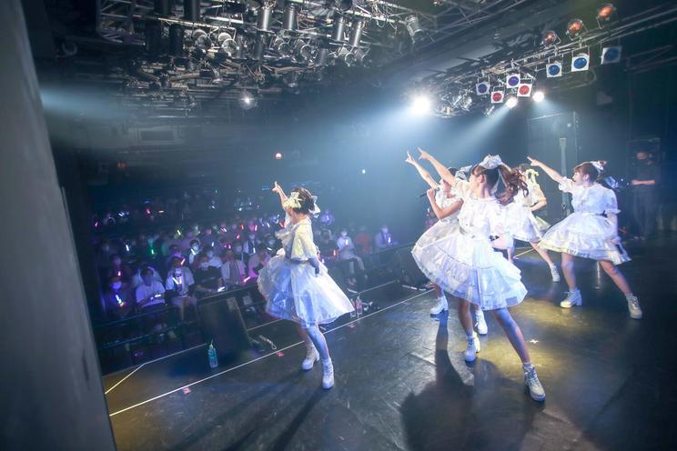 マジカル・パンチライン<LiVE PARK 2021 ここから始まる私たちの物語~キラハピ~>(撮影:名和洋助)