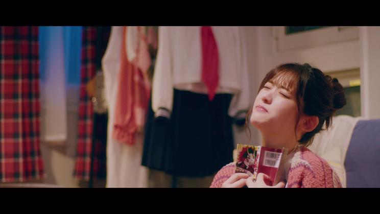 松村沙友理ソロ曲「さ~ゆ~Ready?」MVより