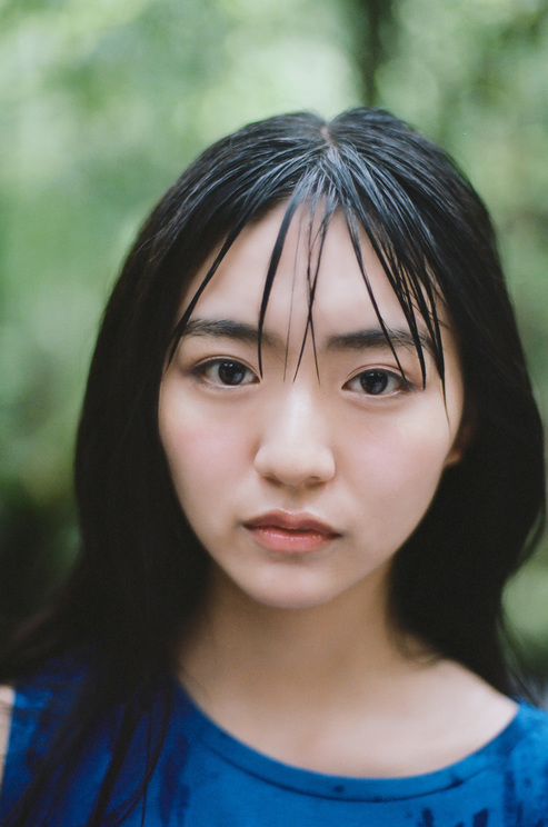 豊田ルナ(撮影:藤本和典/©講談社)