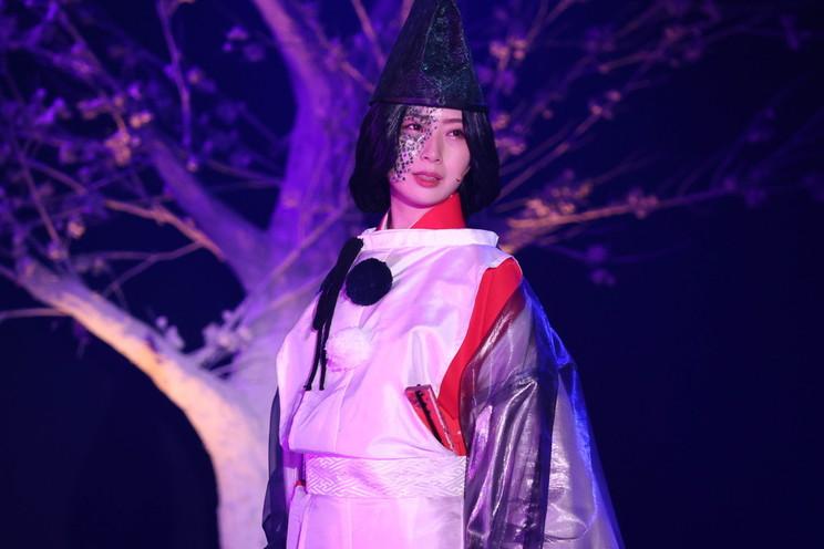 Ⓒくまがい杏子/小学館 Ⓒ舞台「あやかし緋扇」製作委員会