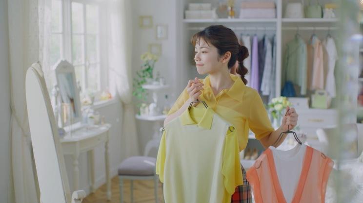 新TV-CM「クイックラッシュカーラー まつげの味方」篇より