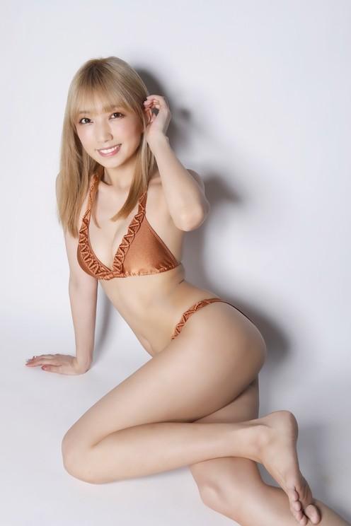 霜月めあ((c)桑島智輝/岡本武志/週刊ヤングジャンプ)