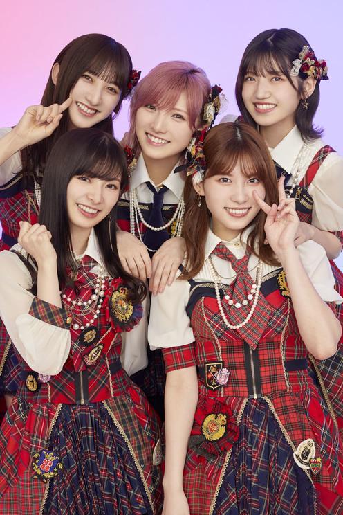 AKB48『17LIVE』新TV-CM「17LIVE「イチナナイチオシ!話題のあの人」」篇より