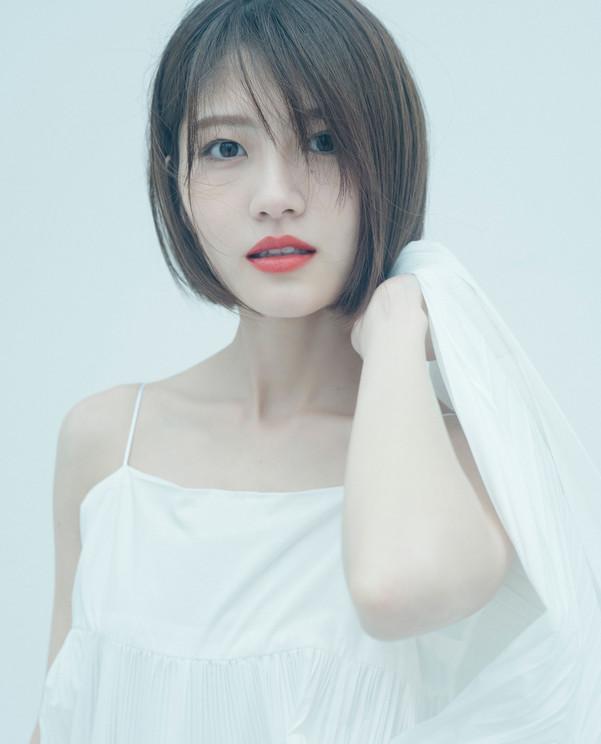 若月佑美2nd写真集 楽天ブックス限定カバー(撮影:嶌村吉祥丸)