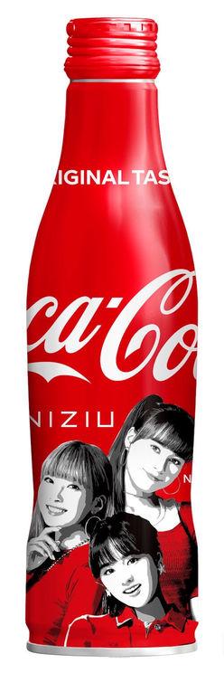『コカ・コーラ』スリムボトルNiziUデザイン(MAYUKA、NINA、RIO)