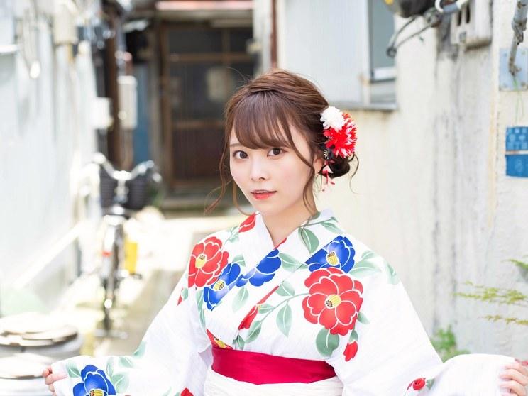 青木りさ(#2i2)((c)月刊エンタメ/撮影:佐賀章広/ヘア&メイク:JULLY)