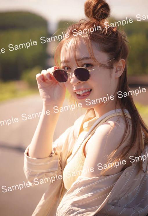 乃木坂46 渡辺みり愛 1st写真集『消極的な華やかさ』ポストカード(コーチャンフォー限定)