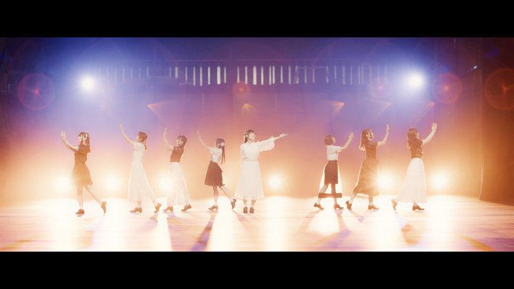 DIALOGUE+「透明できれい」MVより