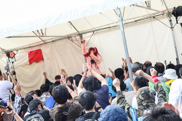 <夏の魔物2018>ライブ写真(撮影:二瓶 彩)