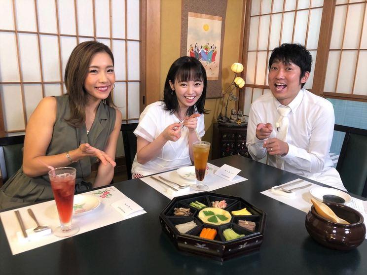 写真左から、麻田ゆん、今泉佑唯、ノンスタイル石田