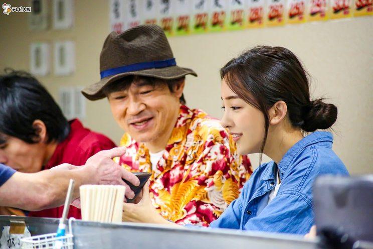 甲本雅裕、板野友美『愛しのナニワ飯』より