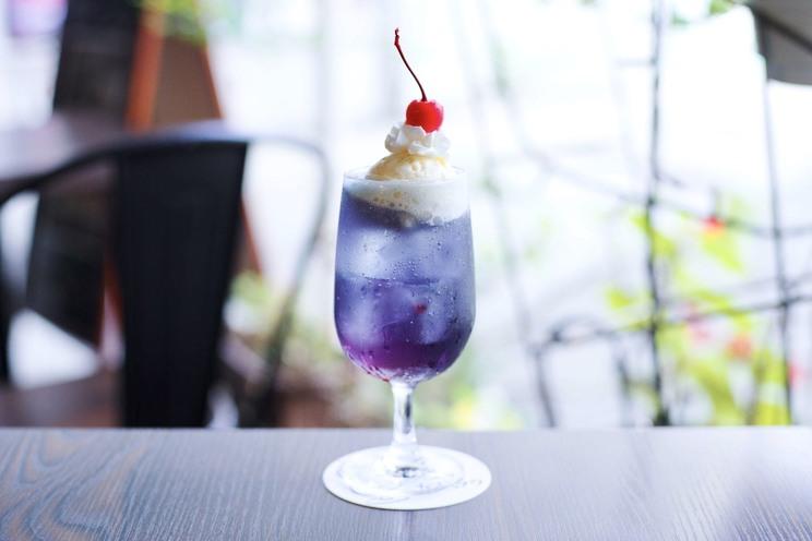 紫色:さくらんぼのクリームソーダ(椋本真叶イメージ)