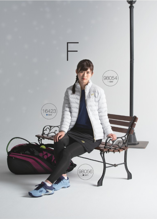 佐藤朱(AKB48チーム8)『ヨネックス2019-20秋冬テニスウェア・デジタルカタログ』より