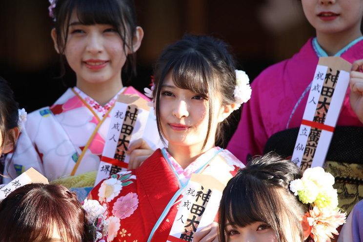 成人式の行天優莉奈(AKB48チーム8)