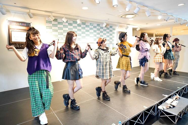 アップアップガールズ(2)<『アオハル1st』リリース記念イベント> 東京・池袋マルイ 7Fイベントスペース(2019年11月10日)