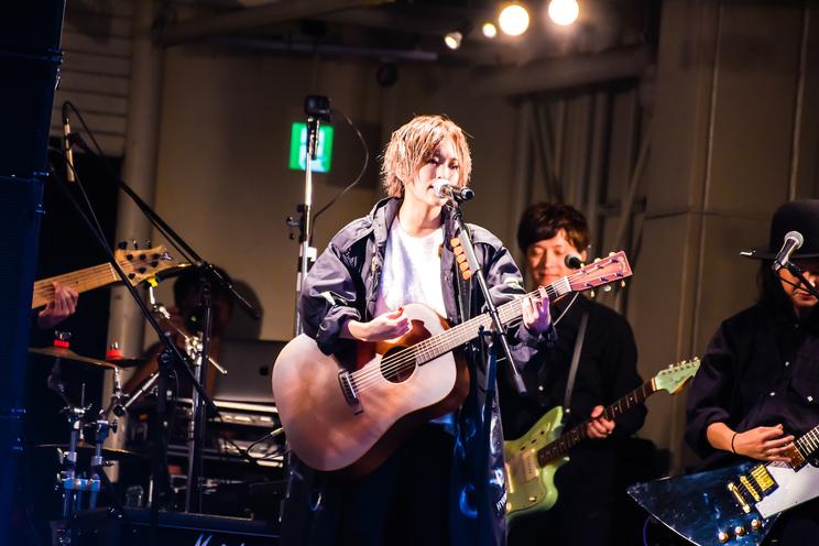 山本彩 3rdシングル「追憶の光」リリース記念フリーライブ|アメリカ村・三角公園(2019年11月24日)