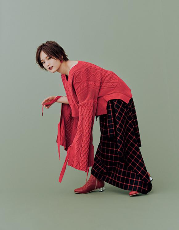 山本彩/『装苑』 2020年1月号/撮影:田中雅也(TRON)
