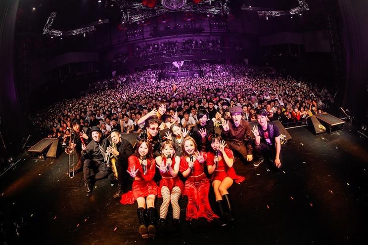 <Glamorous 4 Tour>新木場STUDIO COAST(2019年12月17日)