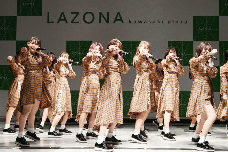 <26thシングル「ソーユートコあるよね?」発売記念イベント>ラゾーナ川崎プラザ2F ルーファ広場 グランドステージ(2020年1月10日)