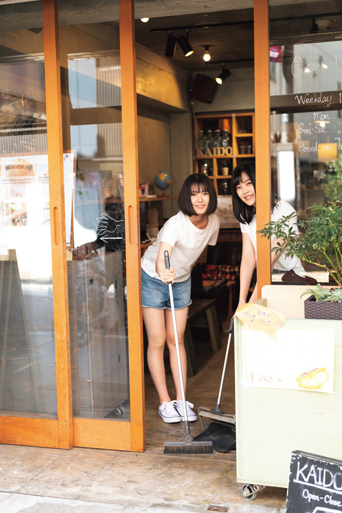 右:乃木坂46 柴田柚菜/左:清宮レイ 撮影:藤本和典
