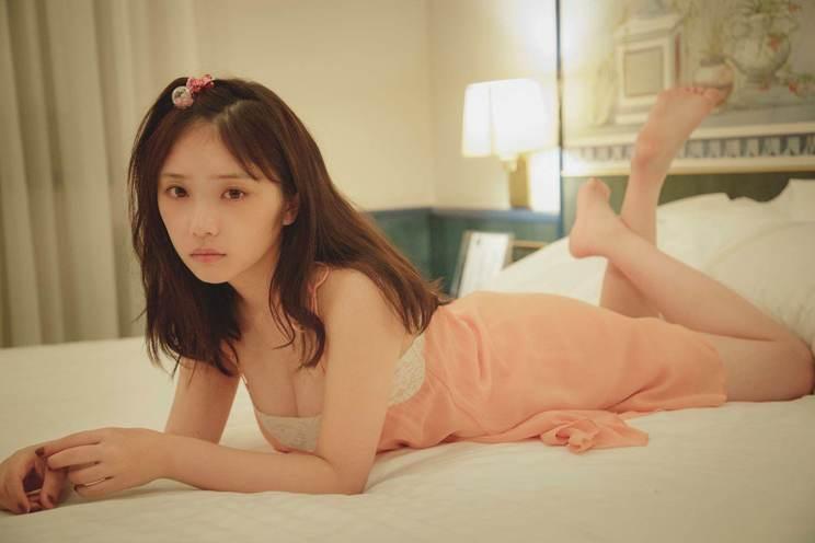 乃木坂46 与田祐希2nd写真集『無口な時間』未収録カット