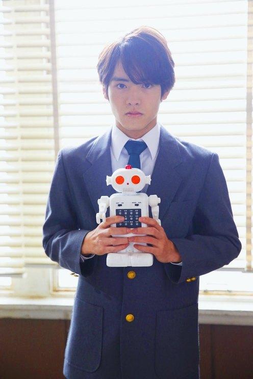 ロボット研究部 小林/赤楚衛二