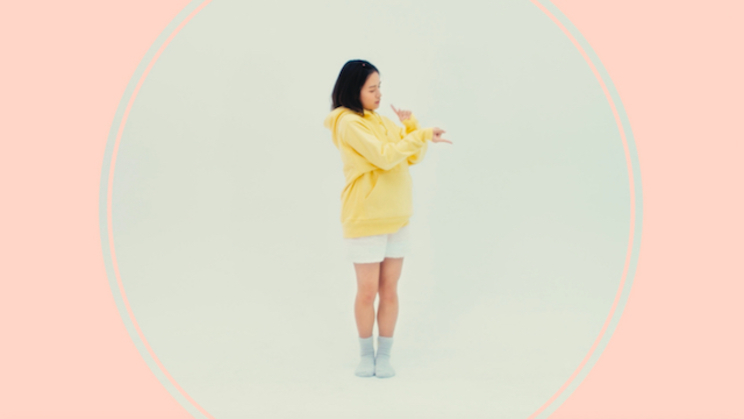 「ピアス」MVより