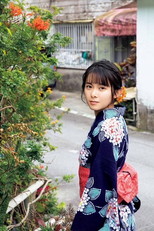 山﨑夢羽 1st写真集『夢羽』より 撮影:西田幸樹