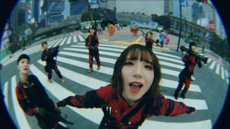 BiSH「スーパーヒーローミュージック」MVより