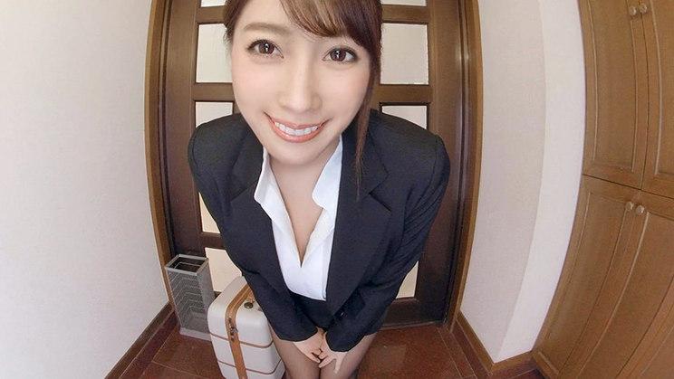 森咲智美『僕んちに下着の訪販に来た森咲智美ちゃんが部屋まで上がり込んでの実演販売、そういう世界。』より