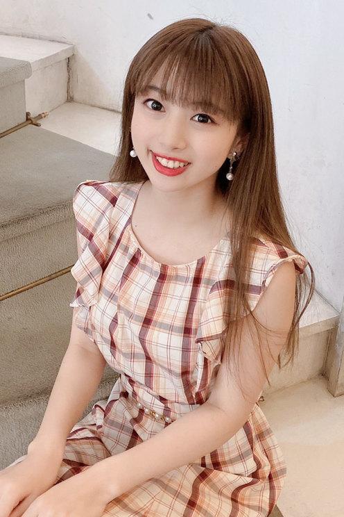 白戸遥(愛知県/18歳/アイドル、あいちのいちごPR大使)