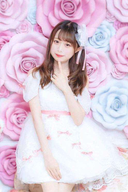 春花奈奈(東京都/25歳/ピアニスト、アイドル/プロデュース)