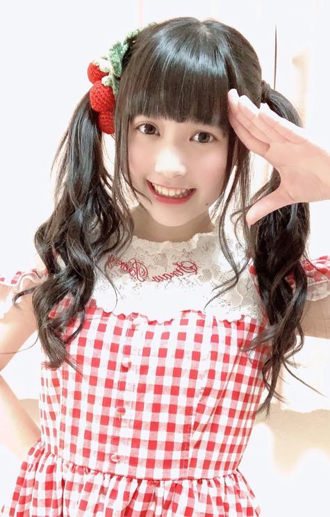山口愛悠伽(福岡県/16歳/アイドル、高校2年生)