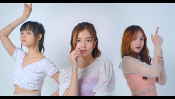 BABY BLUE「Sweet Talking Sugar」MVより(ⒸHHE)