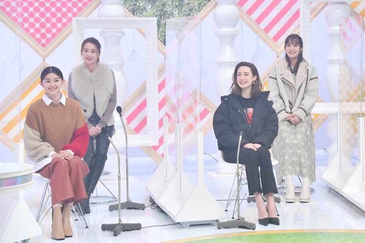 左から:朝比奈彩、Niki、藤井サチ、⽯川恋 (C)神⼾コレクション ザ ニューリアリティー