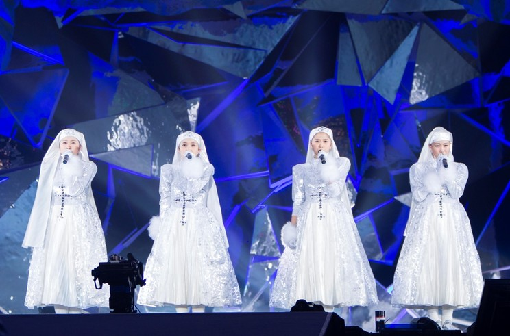 <ももいろクリスマス2013~美しき極寒の世界~> シスター衣装