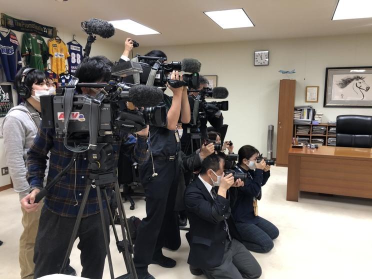 地元メディアによる市長表敬訪問(八戸市役所・市長室)