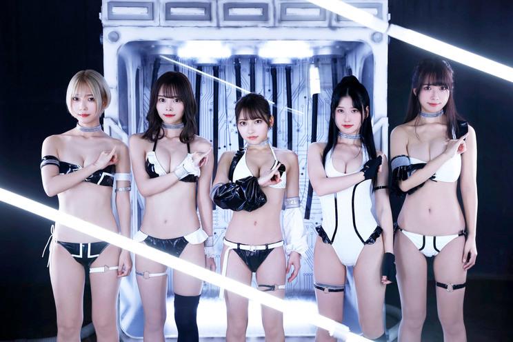 #2i2 (c)横山マサト/週刊ヤングジャンプ