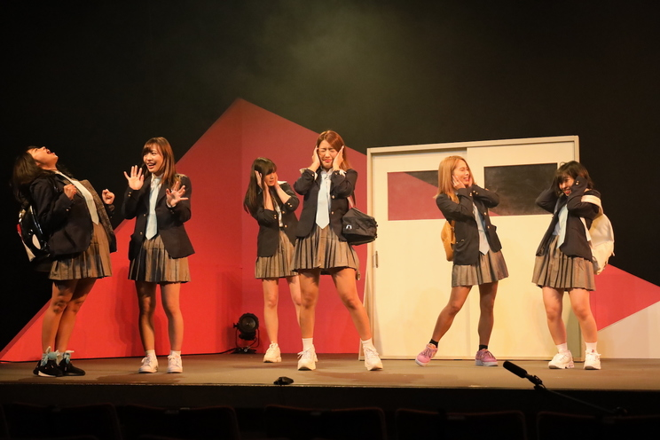 sherbet 劇場公演<爆笑!!シャーベット劇場 ~止まらない笑いのオンステージ~>より