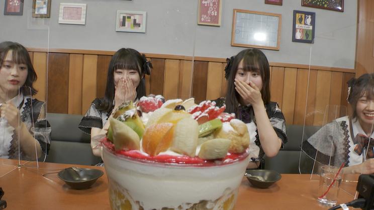 『シャニムニ=パレードが挑戦「爆食!日本1周キログラムの旅」』より