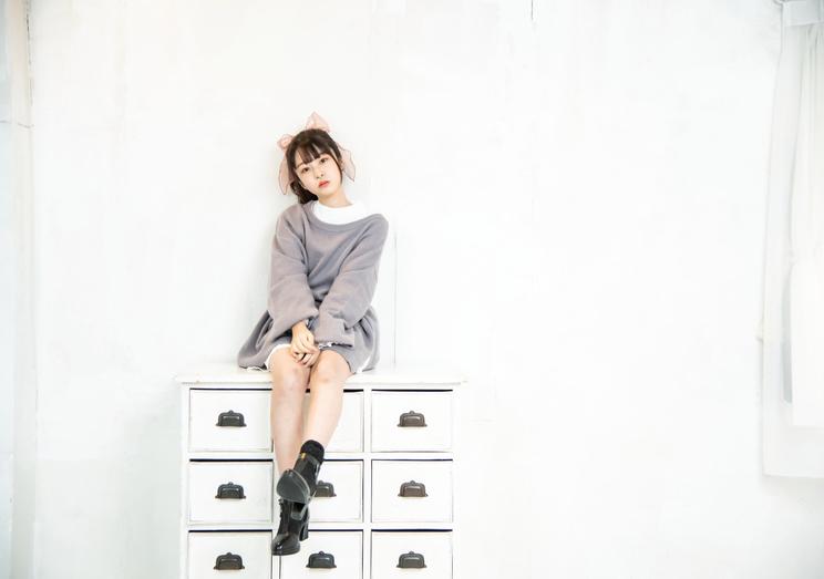 momo-モモ- 写真集『卒業アルバム』裏表紙