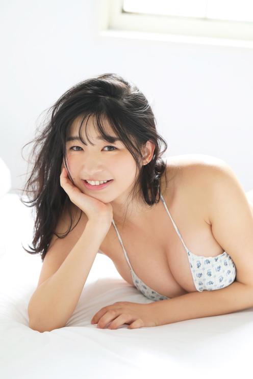我妻ゆりか((C)田口まき/週刊ビッグコミックスピリッツ)