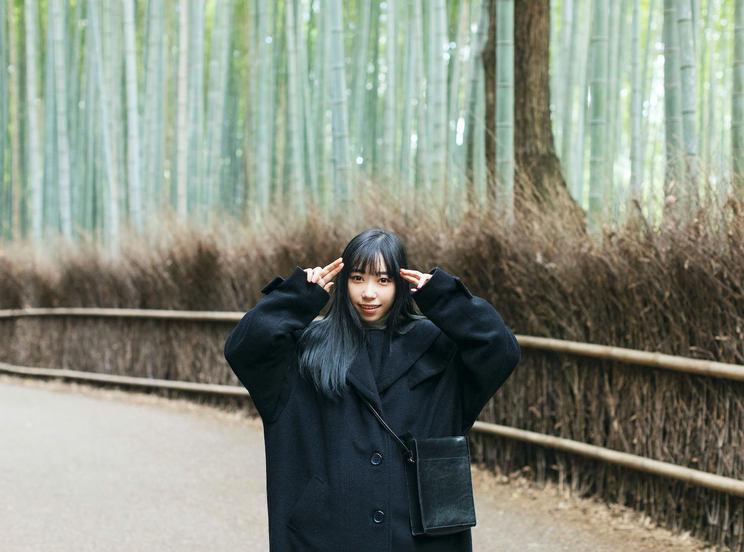 『小林愛香 CALENDAR & PHOTOBOOK 2021.4-2022.3』掲載カット
