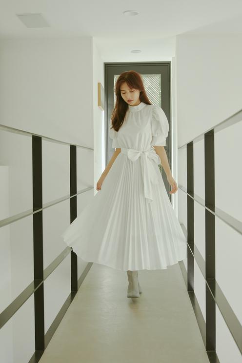 Web企画「SENSUAL MOOD feat.HINAKO SANO 女っぽく着るスナイデル」より