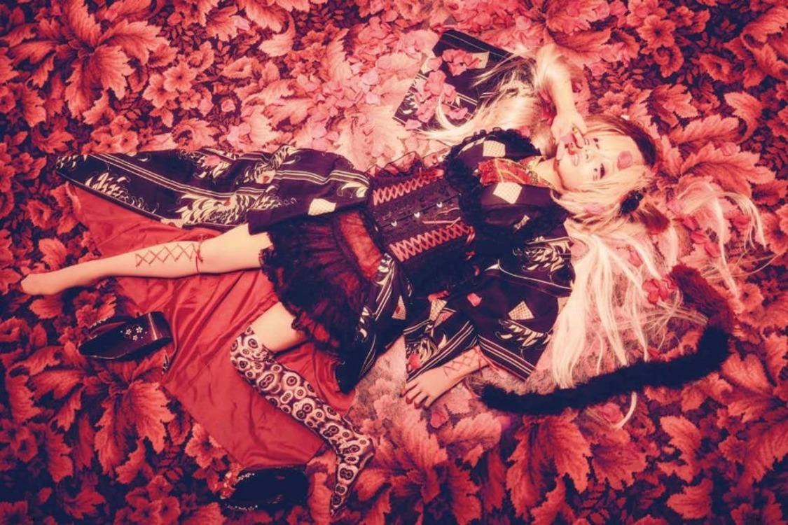 椎名ひかり、新曲「模範解答少女」クラウドファンディング始動!「今回絶対的なキミの魔力が必要だ……」
