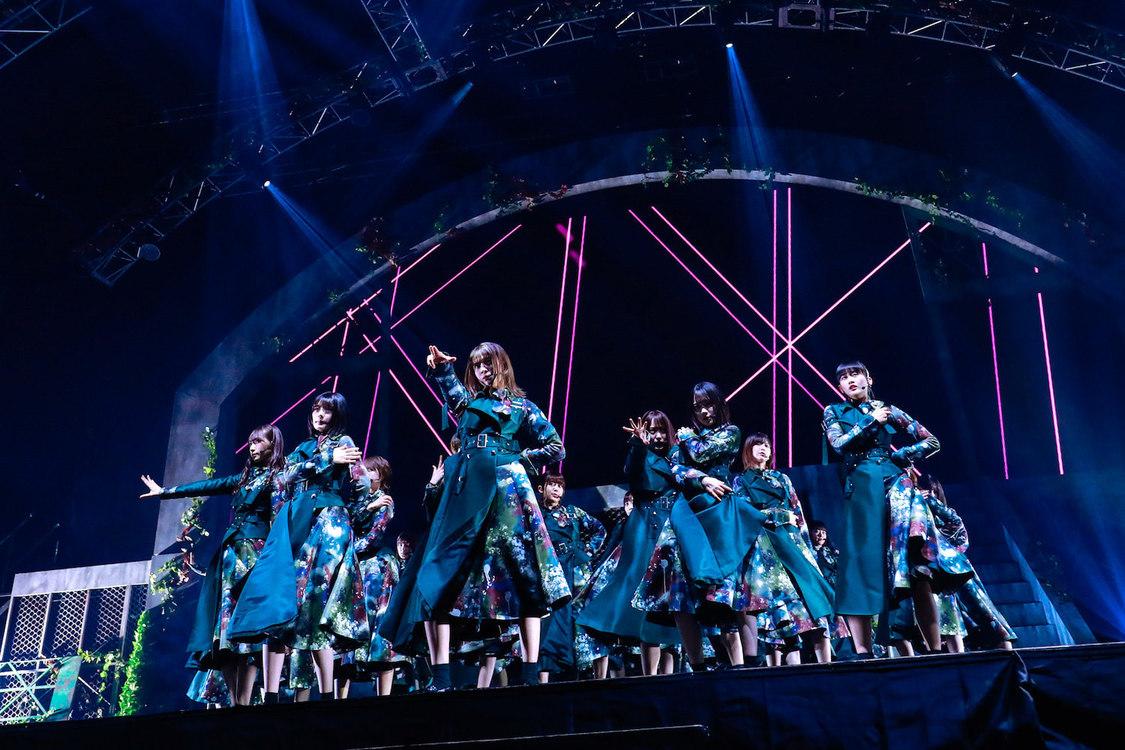 欅坂46[ライブレポート]孤高の終幕、そして櫻坂46へ「自分たちらしくいていいんだと教えてくれたのは欅坂でした」