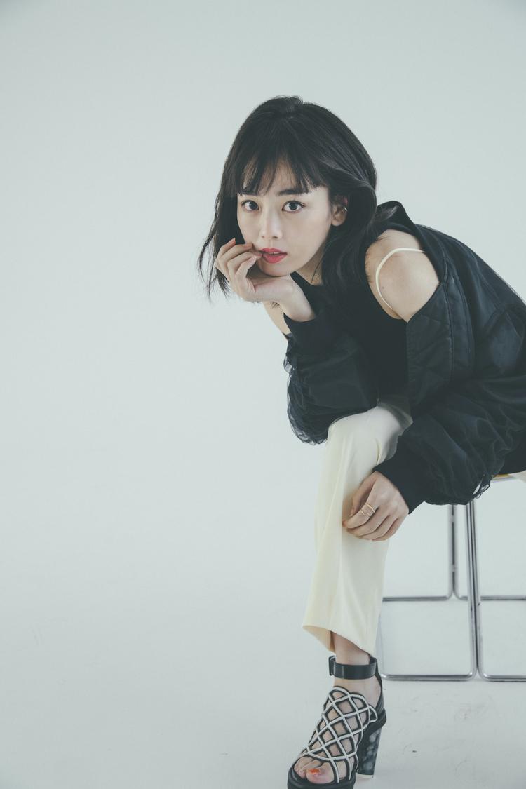 『伊原六花CALENDAR BOOK 2021』(東京ニュース通信社刊)