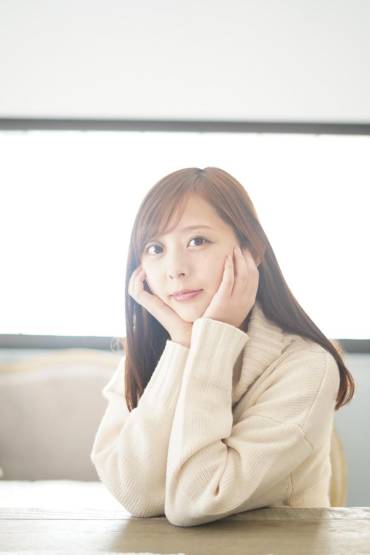 ミュージカル女優・かとう唯、「お家の中から楽しさをギュっと込めて作った写真集です」初のデジタル写真集発売!